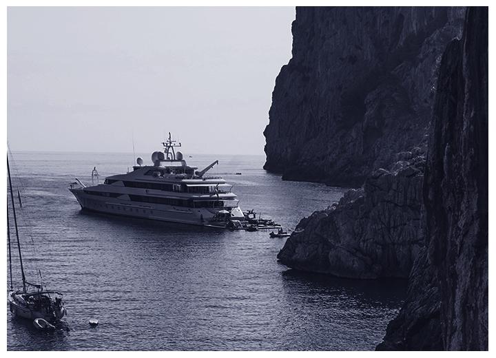 Sécurité des Mégayachts avec une caméra SPYNEL-X embarquée